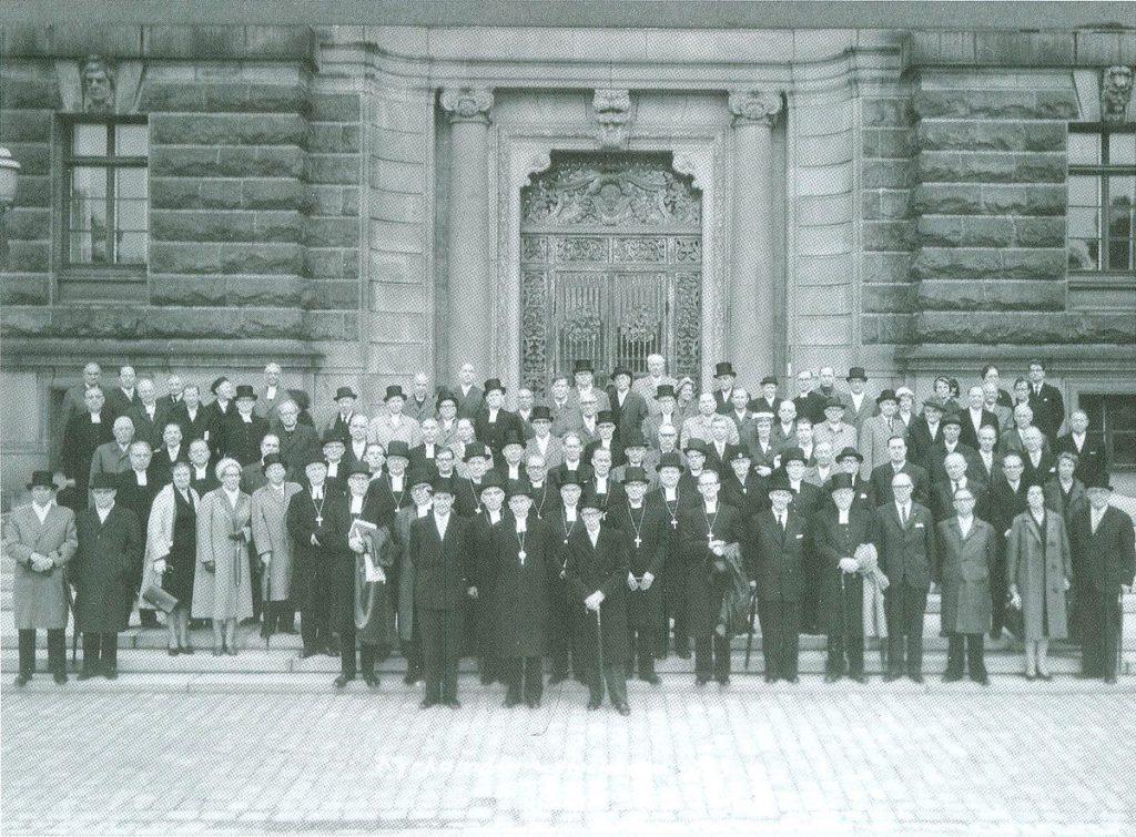 1200px-Kyrkomötet_1963